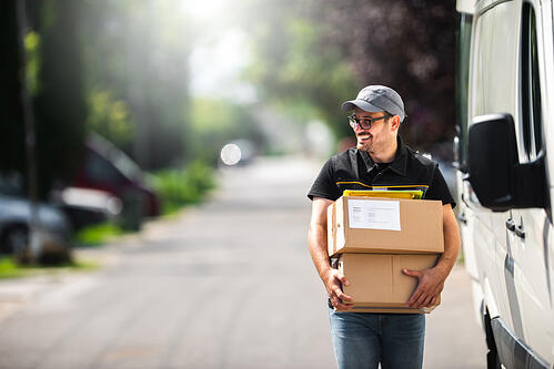 delivery-driver-1010024086